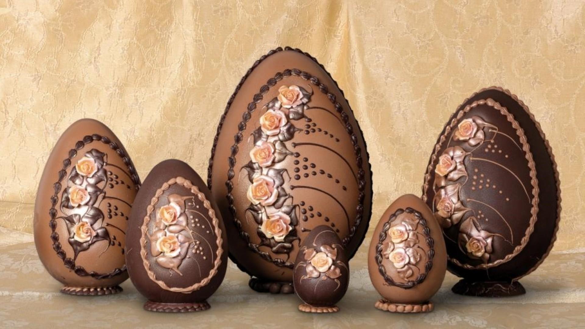 gli-speziali-di-cologna-veneta-uovo-di-cioccolato-pasquale-con-sorpresa-rose.jpg